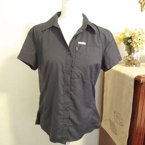 Size M Columbia gray short sleeve hiking shirt